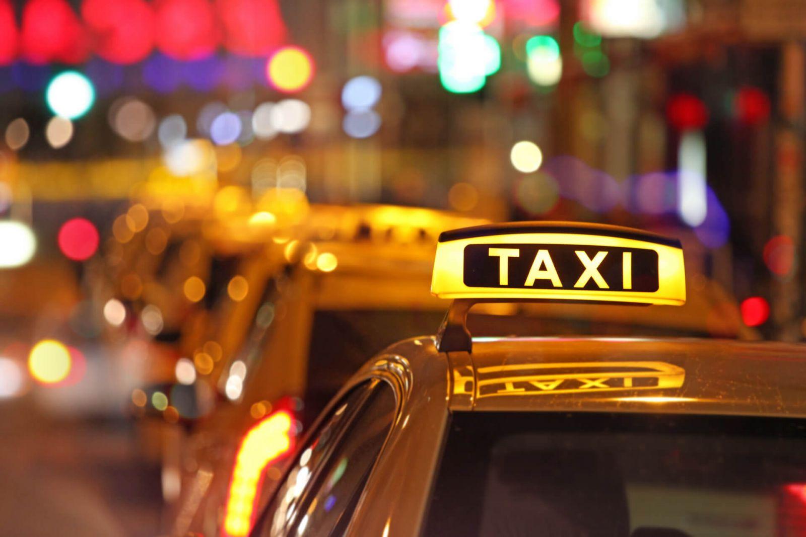 Taxi - những công việc không cần bằng cấp