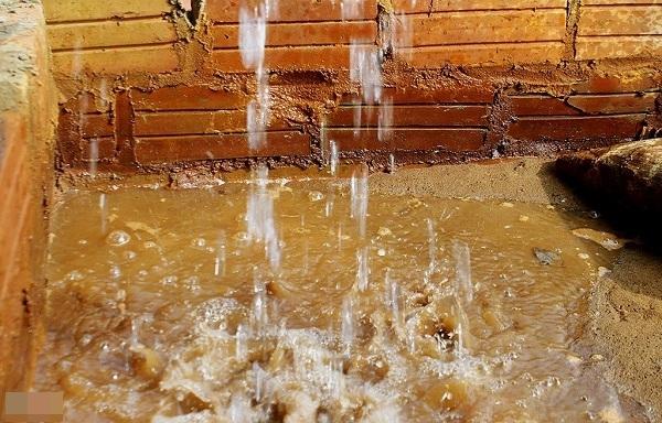Cách xử lý nước giếng khoan bị đục hiệu quả, nhanh chóng