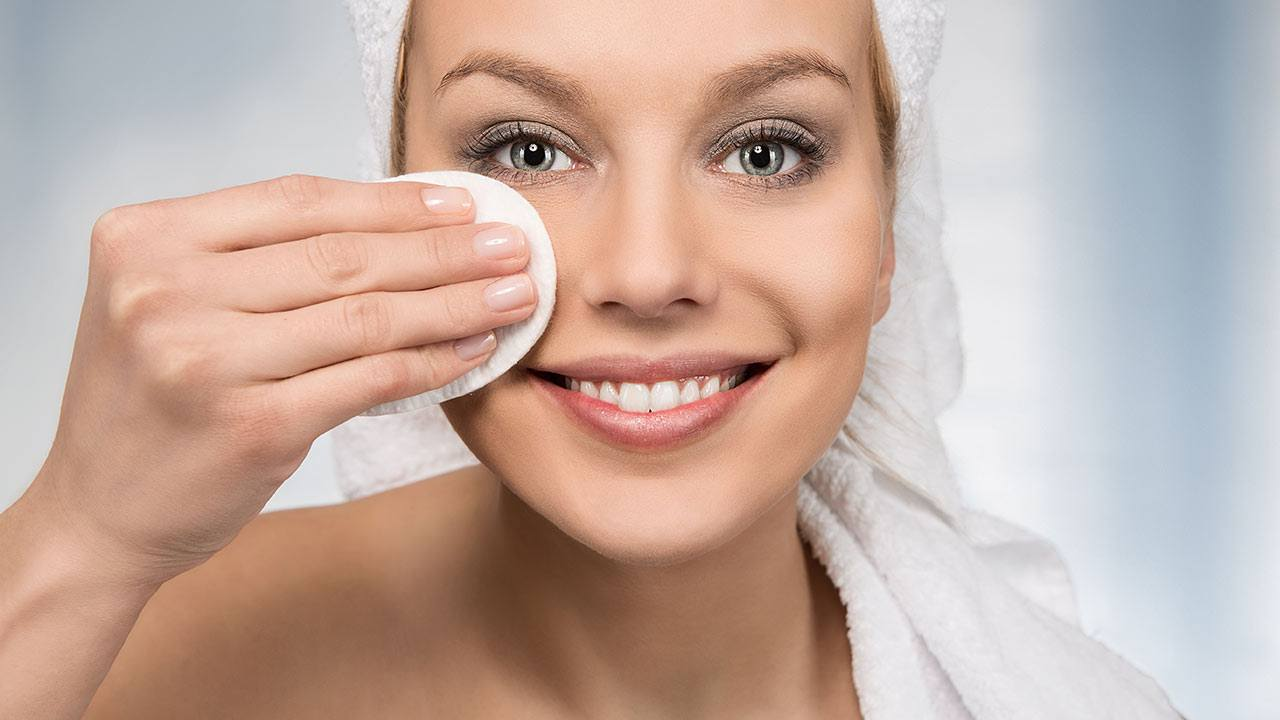 Mách bạn 5 cách chăm sóc da mặt bị nám tại nhà hiệu quả - Shopee Blog