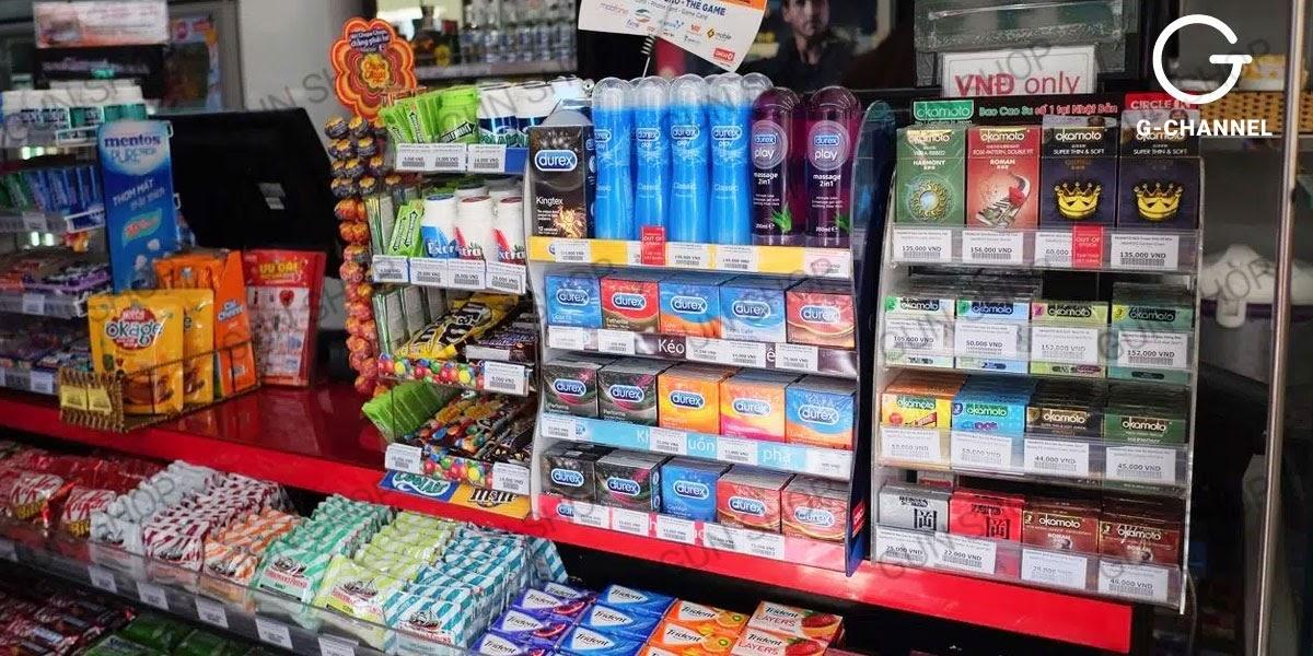 Bạn có thể dễ dàng tìm mua được bao cao su tại các cửa hàng tiện lợi