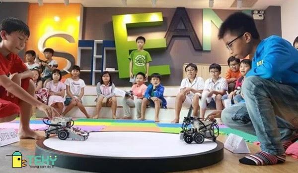 Cho trẻ tham gia trải nghiệm công nghệ